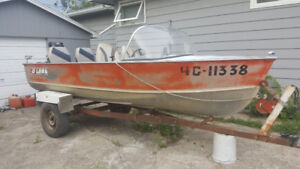 14' Lund Aluminum Deep V Hull Boat w\ 50HP Mercury Outboard