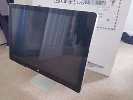 Apple Cinema LED Display 24 inch Widescreen LCD Monitor - Almost Perfect Condition