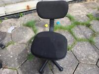 Computer chair for sale five wheels black £8 good condition