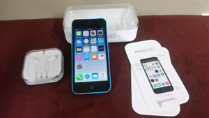 Blue Iphone 5c Rogers  with accessories $120