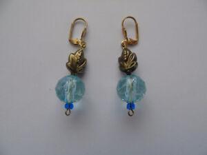 Boucles d'oreilles neuves en perles de verre - Création