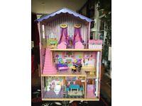 Large KidKraft dolls house with furniture - VGC