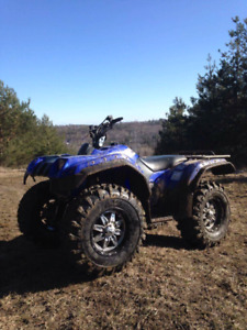 2001 Kodiak  400  great condition  brand new tires on it