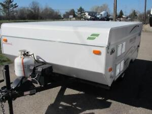2014 STARCRAFT-IMMACULATE TRADE JUST IN TIME FOR CAMPING!!!
