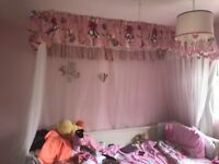Princess 4 poster wooden bed frame with detachable netting