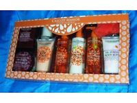 CALCOT MANOR GIFT SET - NEW AND SEALED
