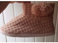 New Look Knit Pom Pom Slipper Boots Size Medium New with tag