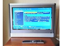 """TOSHIBA 20"""" FLAT LCD TV Freeview built in + Indoor Aerial. No HDMI"""