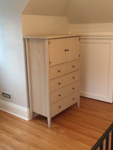 5 drawer dresser w/ matching end table -- mint condition