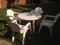 Hartman Garden Table and 4 chairs