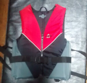 Fluid Extra Large Adult life vest - like new condition