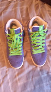 Etnies Mens size 13 High/Mid Top Blue Suede Skate Shoes