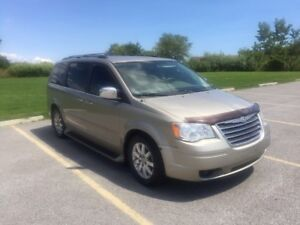 2008 Chrysler Town &country