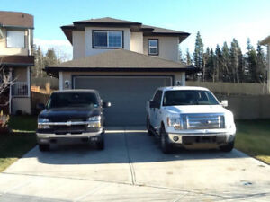 #3481FURNISHED 4 Bed House in Countryside North w/GARAGE$2300