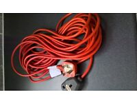 2 x Electric extension leads