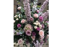 Full time experienced florists required.....
