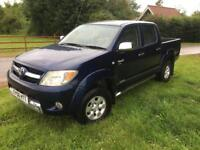 Toyota hilux d4d 2.5 diesel invincible,pick up truck,4x4