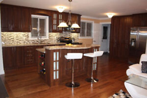 Gorgeous Large 4 Bdrm Home for Rent @ Hurontario & Queensway