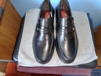 MANS CLIFFORD JAMES LEATHER SHOES SIZE 8