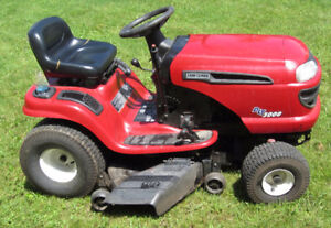Craftsman Riding Lawn Mower @ Auction Tues. July 25th Erin