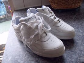 BRAND NEW STYLO LEATHER GOLF SHOES SIZE 7.5