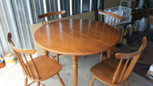 solid wood dining table and 4 chairs free delivery