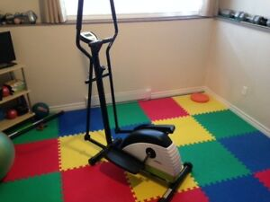 Advantage Fitness Elliptical Model No. 16117100