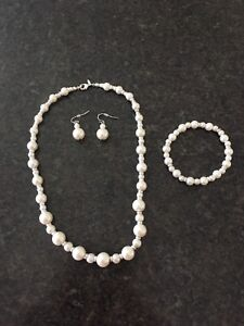 3 piece Pearl necklace set for sale