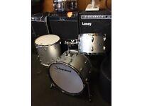 Slingerland drum kit in silver sparkle
