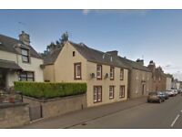 Good sized centrally located 2 bedroom flat to rent. To let 2 bed furnished flat near Gleneagles