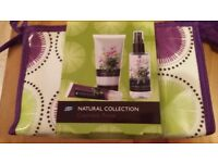 BOOTS NATURAL COLLECTION COSMETICS PURSE-NEW