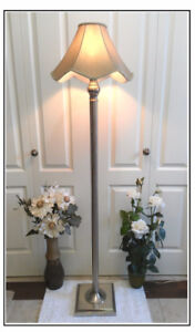 Great Condition!Quality Floor Lamp,2 Optional Shades (TEXT/CALL)
