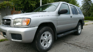 Nissan Pathfinder 2002 4X4