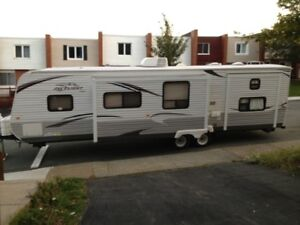 2012  32 ft Jayco travel trailer for sale