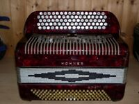 Hohner Amati VIII, 4 Voice, Musette Tuned, C Chromatic, 120 Bass, Accordion.