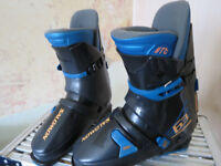 Salomon Model 63 345 Black Ski Boots - Size 8 1/2 - 27.5