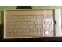 I pad case and keyboard for iPad 5 th gen (9.7)
