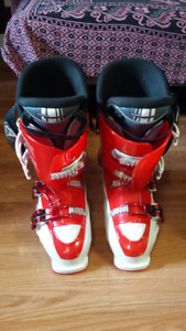 Men's Downhill Ski Boots - size 26 and Bag