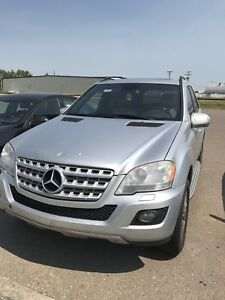 2009 ML320 MERCEDES MINT CONDITION FOR SALE