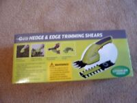 BRAND NEW GARDEN GEAR 3.6V CORDLESS HEDGE AND EDGE TRIMMING SHEARS WITH LITHIUM BATTERY