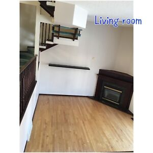 3 bedroom townhouse with single attached garage for rent