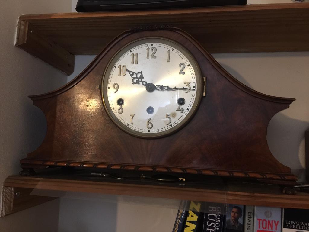 Antique pendulum mantles clock