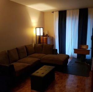 4 ½ appartement, Rénové, peinturé, 2 stationnements, jardin