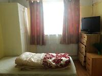 Large room to rent in ISLEWORTH/TWICKENHAM