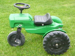 LOT JOUETS EXT: VOITURE, TRICYCLE, TRACTEUR