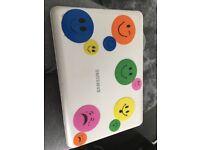 White samsung notebook/laptop