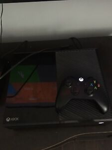 Xbox one with controller and 2 games *make offer*