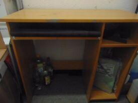1 small wooden desk