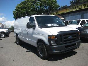 2011 Ford E-250 Econoline Cargo Van A/C 8-cyl. partition & shelv