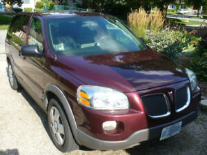 2009 Pontiac Montana Minivan 110 000kms. Safety is done.